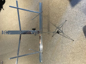Metal fold up music stand