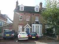 A one bedroom 1st floor conversion flat in Cyprus Road Finchley Central close to tube station av now
