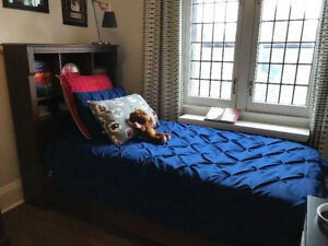 Moving sale! 2 kid's bedroom sets. Twin beds, desks, etc.