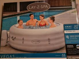 Lay Z Spa Vegas 4-6 person Hot Tub
