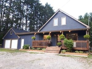 Large 4 BED House for Rent - Bracebridge- 2 Acres- In Town