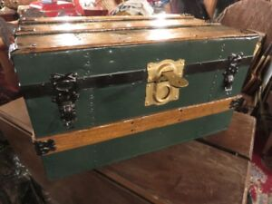 ANTIQUE SMALL TRAVEL TRUNK 22 INCHES WIDE CHRISTMAS PRESENT?
