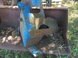 Frey front end loader with hydraulic bucket Kingston Kingston Area image 3