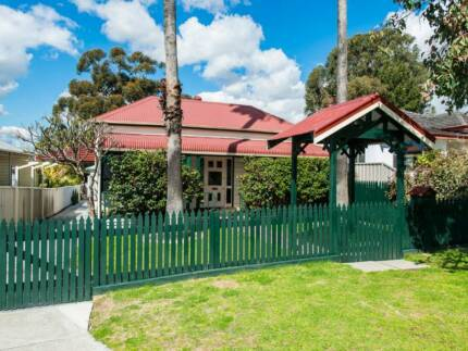 Stunning Completely Renovated Bayswater Cottage.