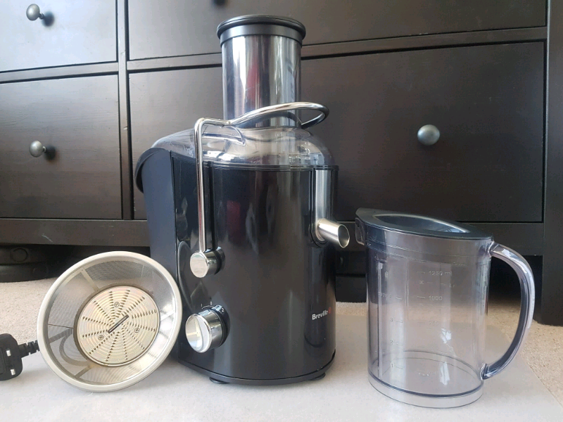 Whole Fruit Juicer in SM1 Sutton for