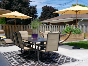 PATIO SET WITH 6 CHAIRS AND OUTDOOR CARPET