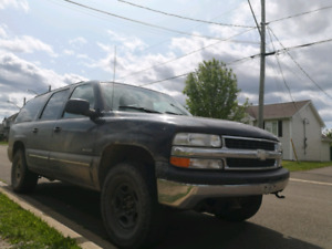 4x4 Chev Suburban! Inspected! Fully Loaded Leather! 3000$