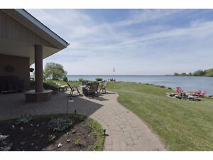 A stunning home with a private canal on Lake St. Francis! West Island Greater Montréal image 5