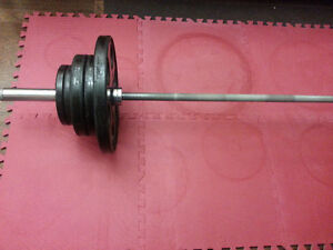 285LBS Olympic Weight Set With Bar