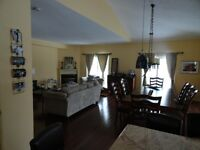 Beautiful Furnished Townhome close to Barrie and Horseshoe Rsrt