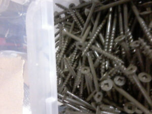 "Brown Deck Screws #8 2 1/2"" and 3' Boxes of 500"