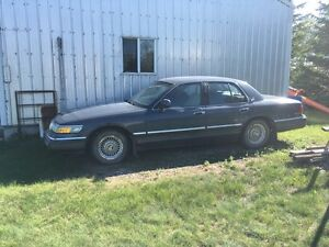 Car. Mercury  grand marquis