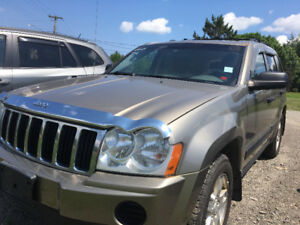 2005 Jeep Grand Cherokee LOREDO SUV, Crossover