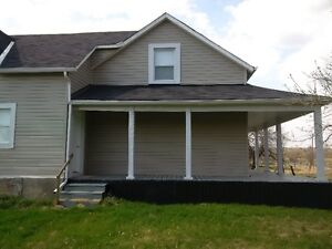 MADOC-3 BEDROOM FARM HOUSE FOR RENT-BRONSON RAPIDS