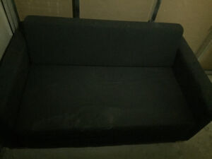 Couch for cheap! (Pull-out bed)