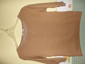Women's Old Navy mustard sweater sweatshirt Small