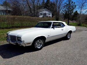 1972 Oldsmobile Cutlass S. Convertible
