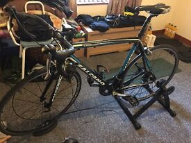 Racing bike and turbo trainer