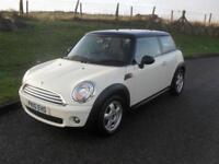 Mini Mini 1.6 Cooper 1.6 29/4/10 MOT 21/12/18 White Black Roof Alloys Clean