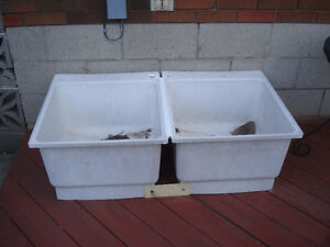 Double Tub   sturdy, and functional