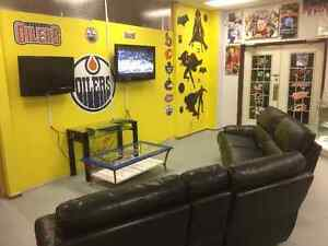 Come On Down & Enjoy The Hockey Game In Our Fan Zone Edmonton Edmonton Area image 3