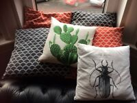 6 retro style cushions