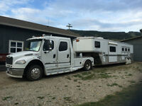 2007 Freightliner and 2004 3 horse trailer with living quarters