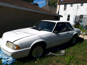 88 Notchback/ trunk.has 5.4 5 speed. Needs finishing.