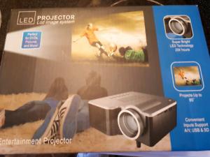 Mini projector portable home theatre