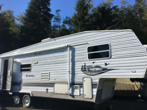 Great 5th Wheel for Sale - 27', great condition, sleeps 5-6!