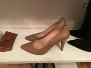 Italian new beige Boss Genuine Leather Pump Made in Italy