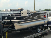 2015 Tramm 16ft pontoon
