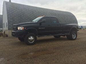2003 DODGE LARAMIE DUALLY DIESEL 4X4