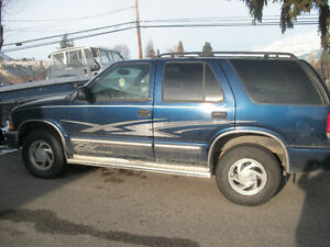 2000 Chevrolet Blazer LT Leather SUV, Crossover
