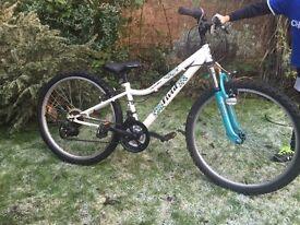 """Apollo Vivid Girls Mountain Bike Bicycle 2015 24"""" Wheels V-Brakes Steel Frame"""