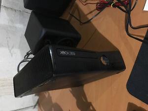 Xbox 360 S + COD Black Ops II + Ghost + Skylander