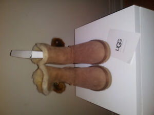 New Neuf Uggs botte size taille 7