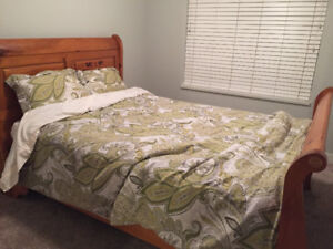 Roommate wanted! (Room for rent in a 2 bedroom Apartment)