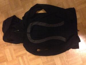 Lululemon sweater size 4