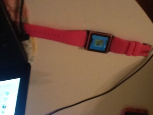 Selling a  apple pink watch