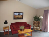 Large One Bedroom W/Cathedral Ceilings In Collingwood