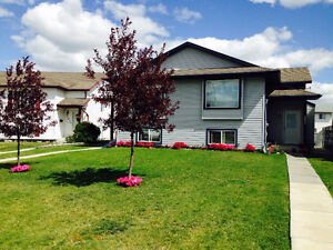 GREAT DUPLEX IN MISSION HEIGHTS FOR RENT