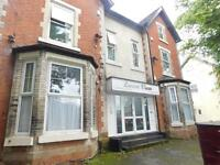 3 bedroom flat in St Mary Hall Road, Crumpsall M8 5BB