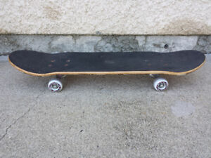 Skeatboard . Mint Conditions. used once.