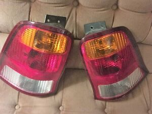 FORD WINDSTAR 99-03 TAIL LAMPS TAIL LIGHTS