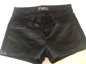 Guess Black Shorts size: 28