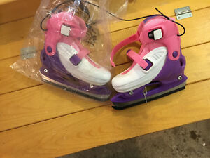 Brand new girls skates