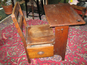 Old Tyme solid Oak one piece School Desk & Chair with Drawer