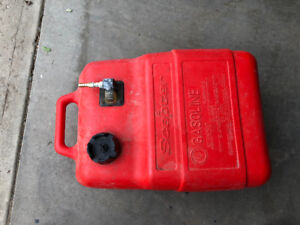 25  lt Specter  boat fuel tank with hose and prime bulb