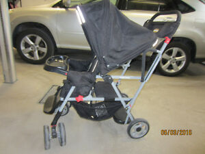 Joovy Caboose Stand-On Tandem Poussette Double-Stroller